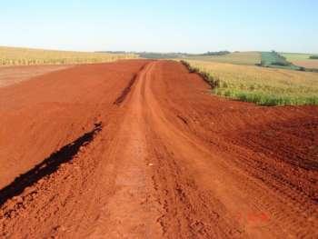 Adequações de vicinais facilitam a vida de produtores rurais