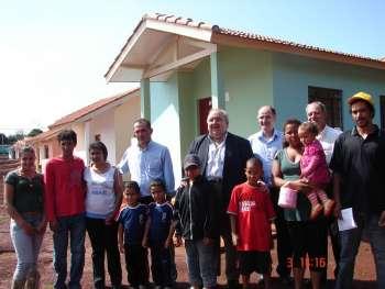 Família contempladas no programa Casa da Família