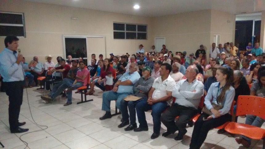 CRESOL REALIZA REUNIÃO COM A POPULAÇÃO DE GODOY MOREIRA