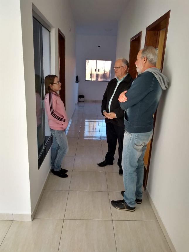 PREFEITO DE GODOY MOREIRA VISITA SECRETARIA DE EDUCAÇÃO