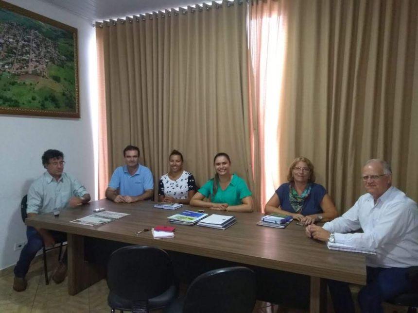 AGRICULTURA: RECEBENDO VISITA E APOIO  TÉCNICO