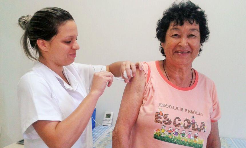VACINAÇÃO CONTRA A GRIPE INICIA EM GODOY MOREIRA