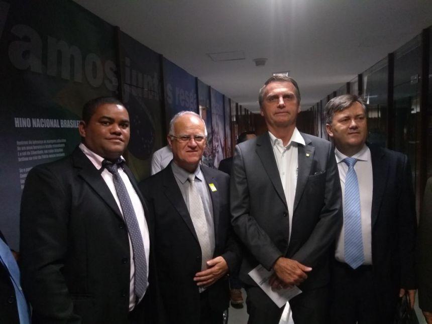PREFEITO DE GODOY MOREIRAM EM VIAGEM À BRASÍLIA RETORNA COM DIVERSAS CONQUISTA