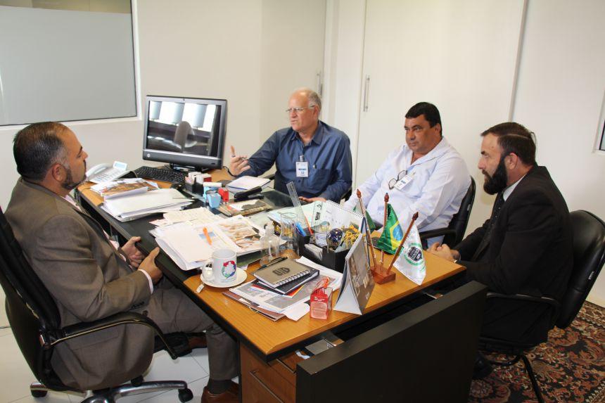 Prefeito de Godoy Moreira pede agilidade em obras nas estradas