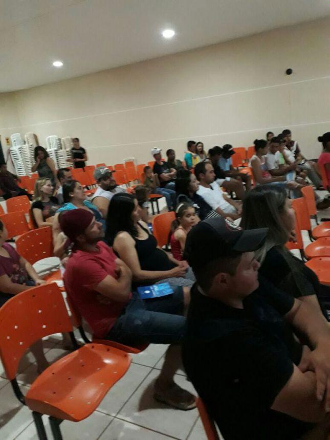 PALESTRA É REALIZADA COM AS GESTANTES E OS PAIS EM GODOY MOREIRA