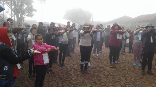 4º CAMINHADA INTERNACIONAL NA NATUREZA É REALIZADA EM GODOY MOREIRA