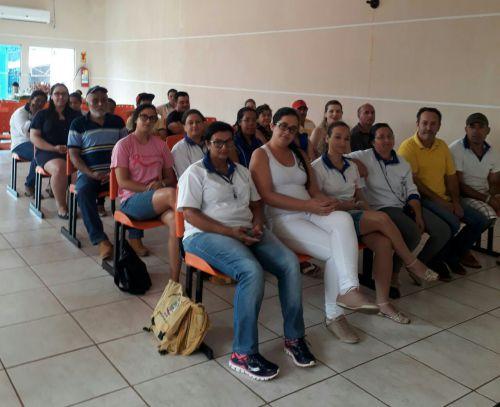 PALESTRA SOBRE SAÚDE COM OS PACIENTES INSULINODEPENDENTES DE GODOY MOREIRA