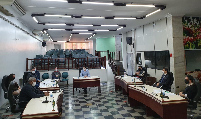 Parlamentares se reuniram para discutir as mudanças no estatuto