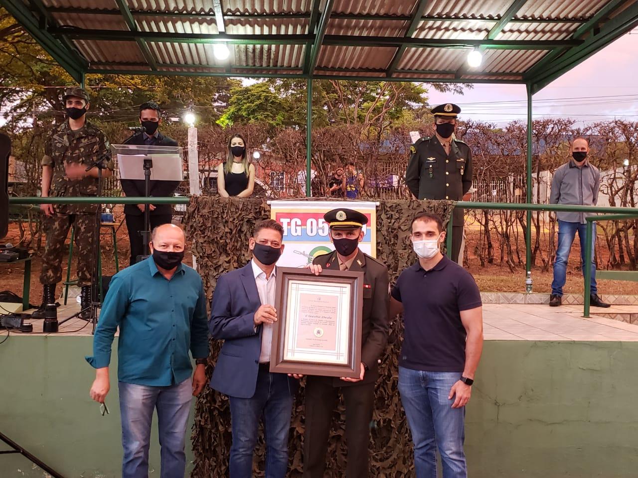 Sargento Claudio Deda é agraciado com Medalha Dr. José Vaz de Carvalho