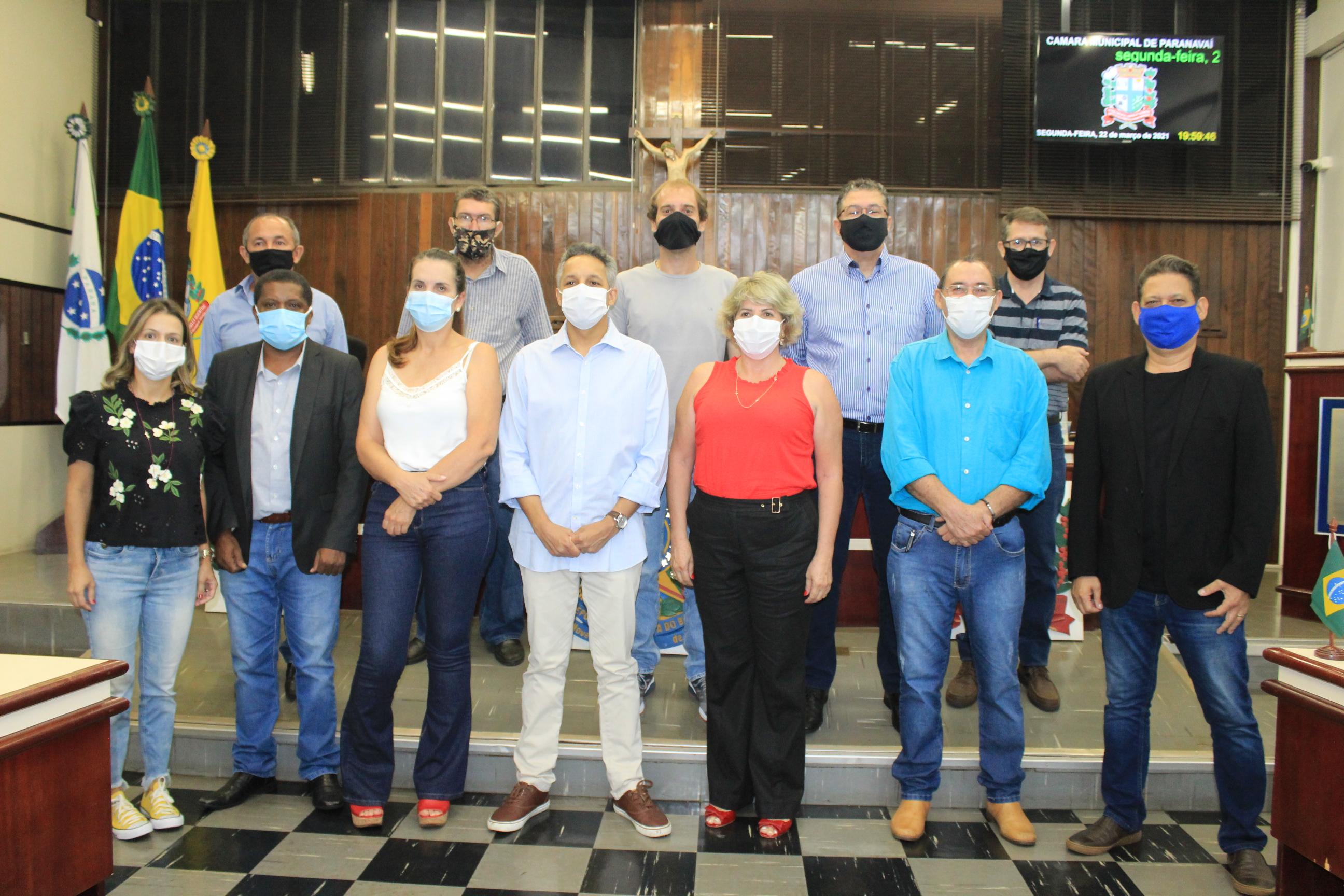 Médicos prestam informações sobre a atual situação da Covid em Paranavaí ao Legislativo