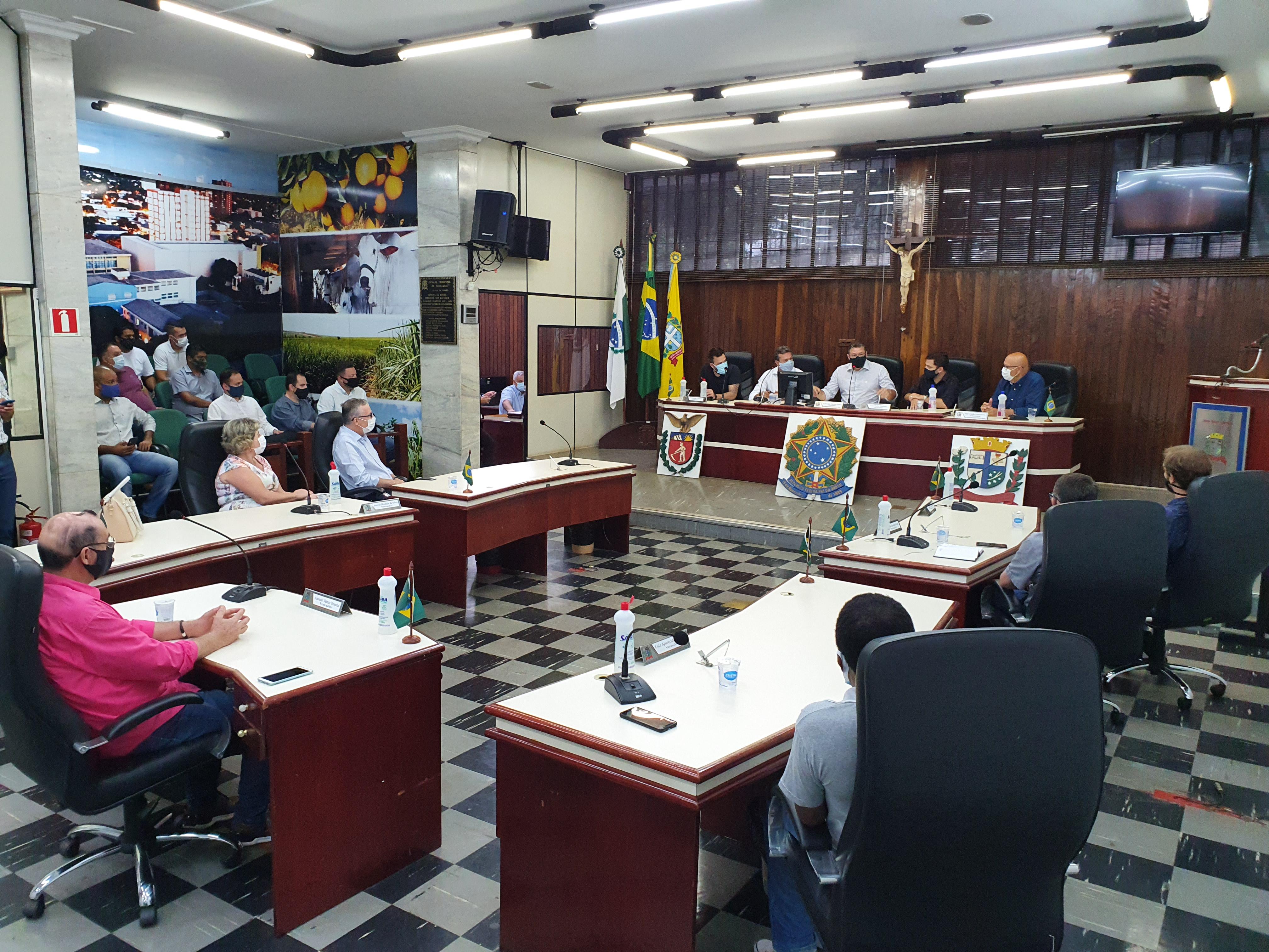 Márcio Nunes anuncia construção de parque e investimentos à Coopervaí