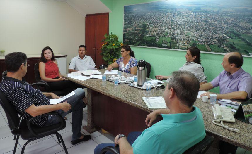 Comissões Permanentes debatem projetos