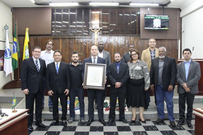 """Mânica é agraciado com a medalha """"Dr. José Vaz de Carvalho"""""""