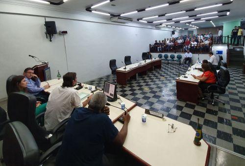 Vereadores discutem sobre projetos de desafetação de cargo
