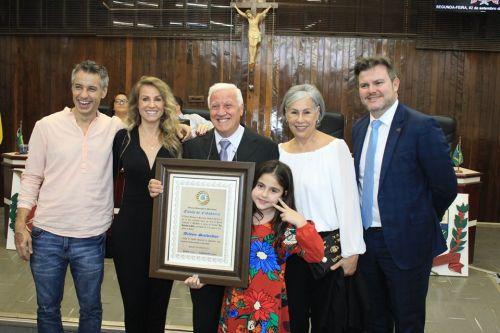Ailton Salvador e família