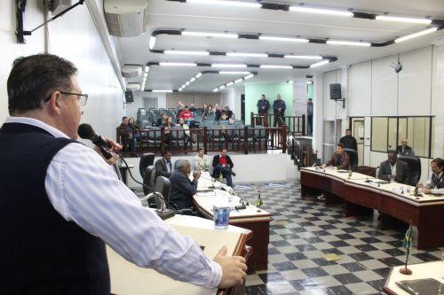 O propositor dessa homenagem, vereador Leônidas Fávero Neto
