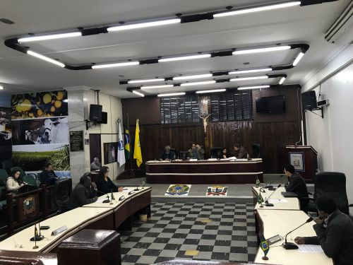Entre estes a isenção de taxa de inscrição em concursos públicos para eleitores convocados pelo TRE