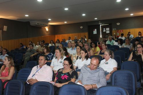 PREFEITO DONIZETE LEMOS E SECRETÁRIOS PARTICIPAM DO LANÇAMENTO DO PROGRAMA  EDUCAÇÃO FINANCEIRA DA ITAIPU