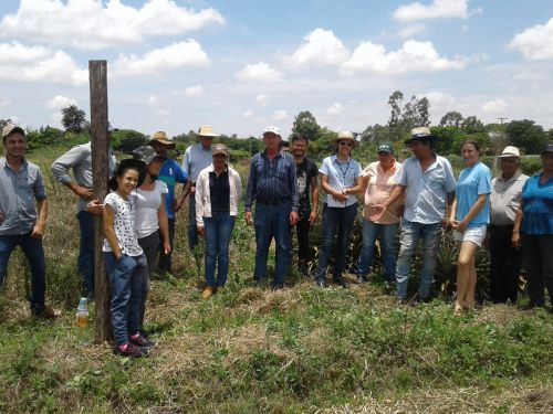 DIA DE CAMPO COM FRUTICULTORES DO MUNICIPIO DE GUAPIRAMA
