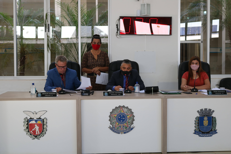 Nesta terça (04), os Vereadores e Vereadora se reuniram em Sessão Ordinária.