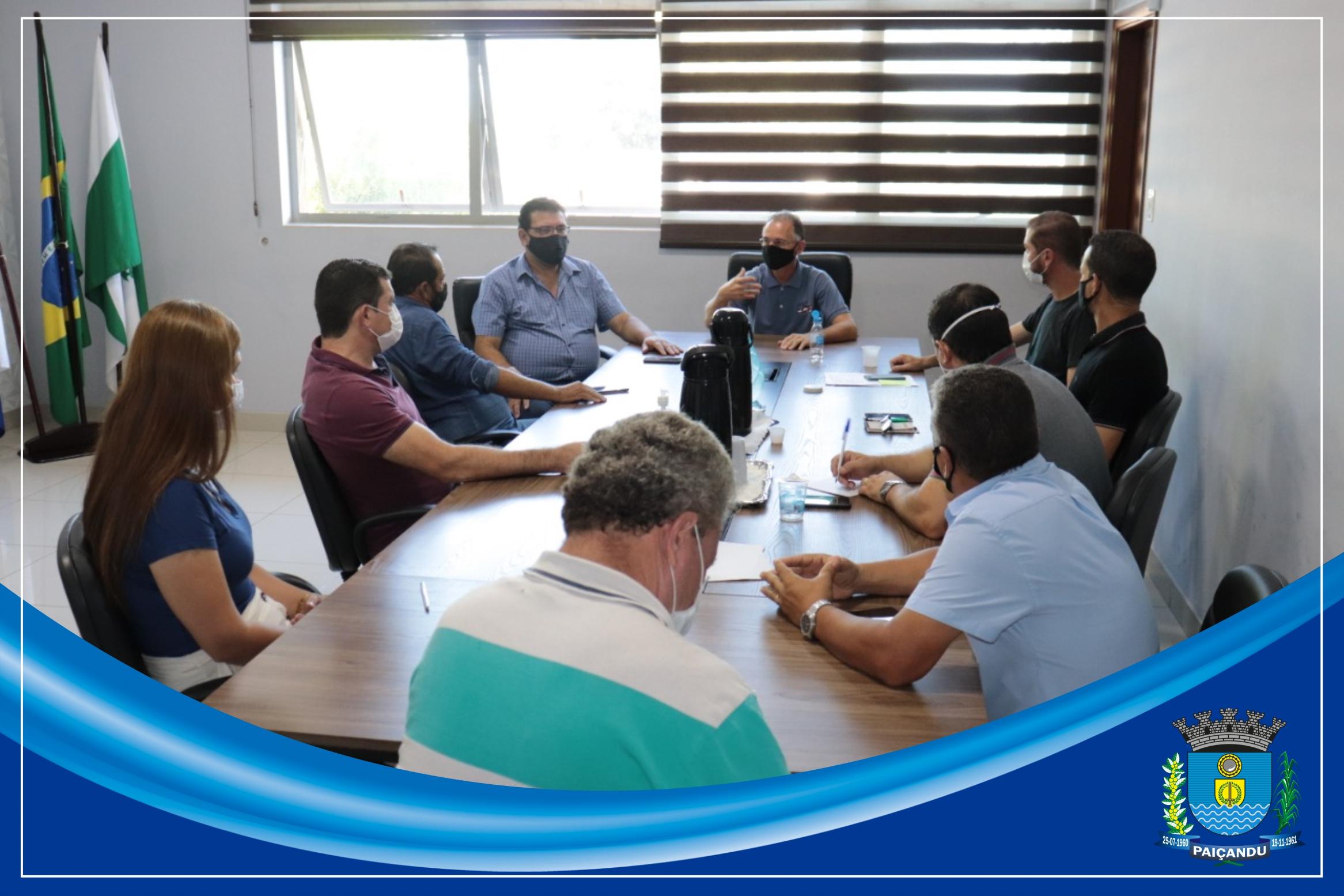 Na reunião, os parlamentares se colocaram à disposição da Prefeitura e discutiram demandas para o município