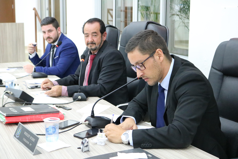 Câmara analisa empréstimo de R$ 9,2 milhões para pavimentação asfáltica