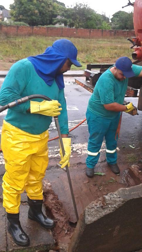 Setor de Obras no combate a Dengue