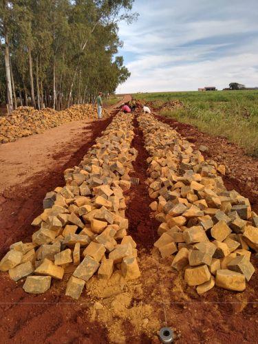 Pavimentação Poliédrica em Estrada Rural