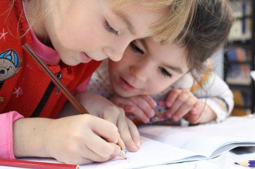Crianças poderão realizar atividades de complementação escolar em casa