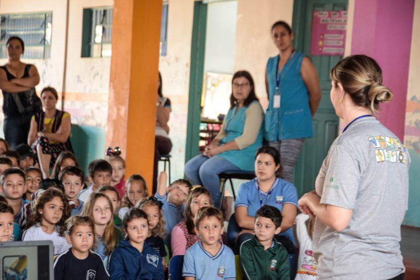 SECRETARIA DE SAÚDE DE CATANDUVAS, REALIZA CAMPANHA CONTRA A DENGUE EM TODAS AS ESCOLAS DO MUNICÍPIO.