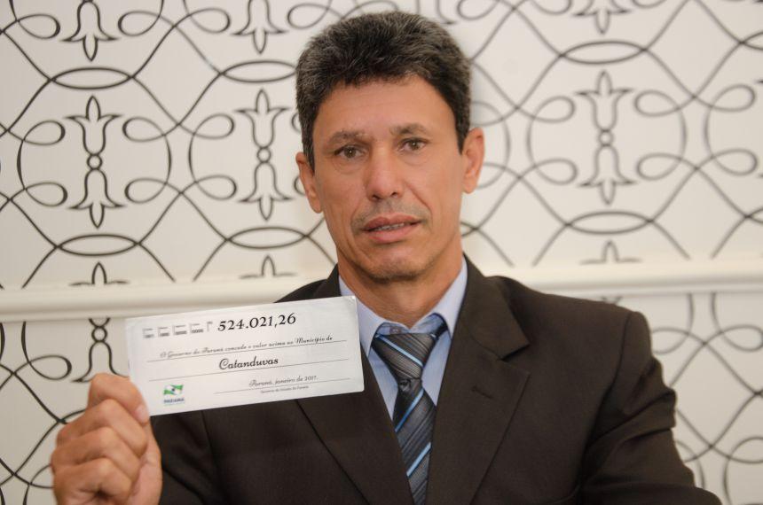 Prefeito Moises recebe investimentos do governo do Estado de mais de 500 mil reais