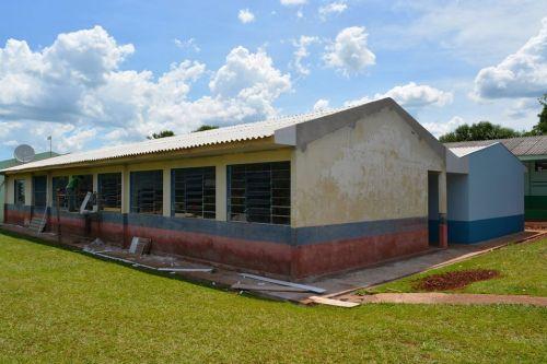EDUCAÇÃO - CONSTRUÇÃO DE NOVAS SALAS DE AULA, REFORMA NA ESTRUTURA EXISTENTE E OBRAS DE CONSTRUÇÃO DA QUADRA POLIESPORTIVA NA ESCOLA VALENTIN BERNARDO THISEN