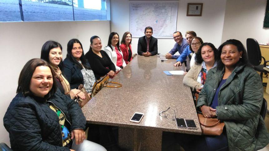 Equipes de Pérola e Esperança Nova visitam Projeto Família Acolhedora de Cascavel