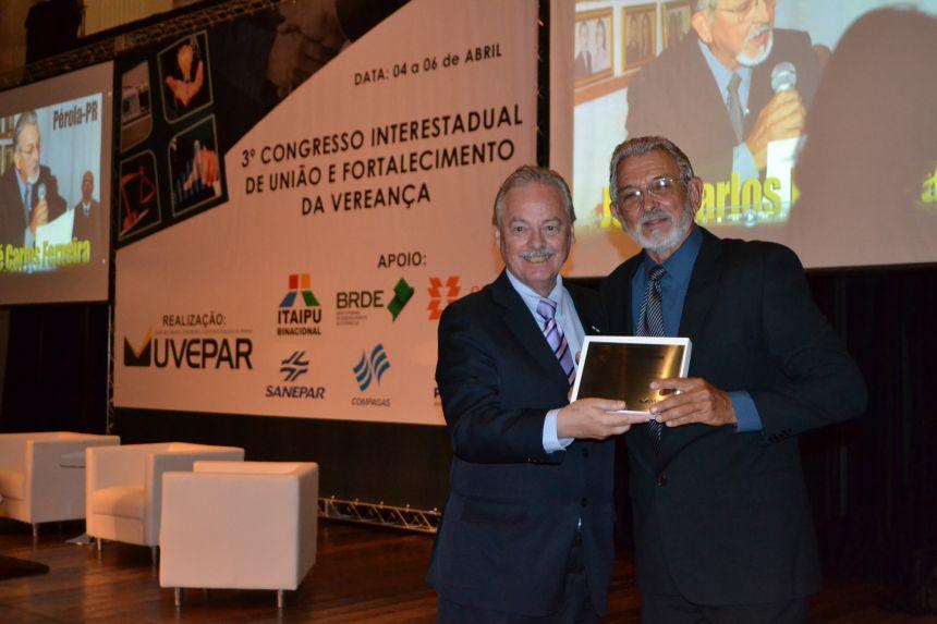 Vereador de Pérola é homenageado em Curitiba