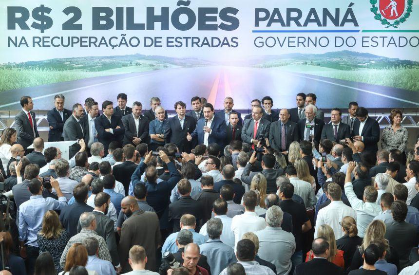 Governo investirá R$ 2 bilhões em melhorias nas estradas estaduais, em todas as regiões do Paraná