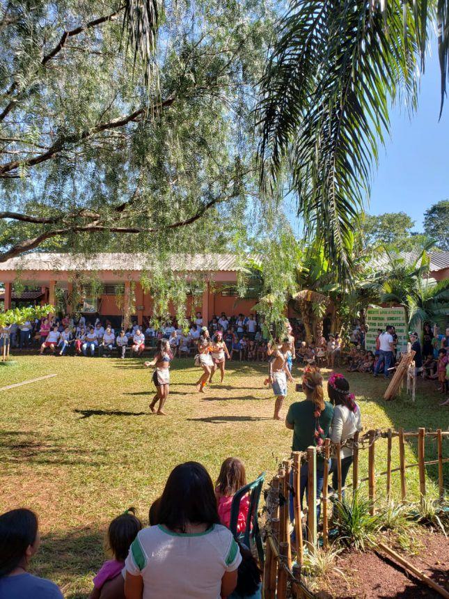 Alunos de Pérola participam de Semana Cultural Indígena