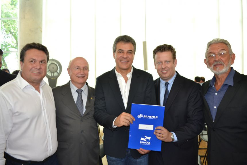 Prefeito Darlan Scalco assina maior convenio da história de Pérola