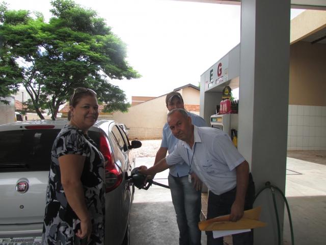 Secretária Municipal de Saúde realiza campanha em Postos de Combustíveis sobre benzeno