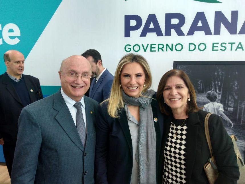 Prefeita em Exercício Vilde participa de lançamento do Programa de Atenção ao Autismo em Curitiba