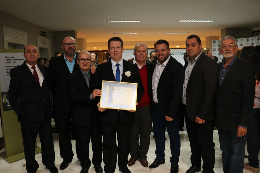 Prefeito Darlan Scalco recebe Prêmio Gestor Público Paraná pela terceira vez.