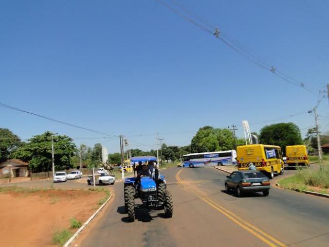 Município de Pérola recebe 14 novos veículos