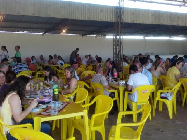 Almoço marca a comemoração do dia do Servidor Público em Pérola