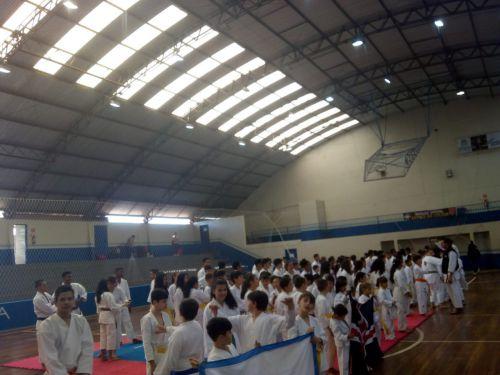 Atletas de Pérola são premiados em Festival de Karatê