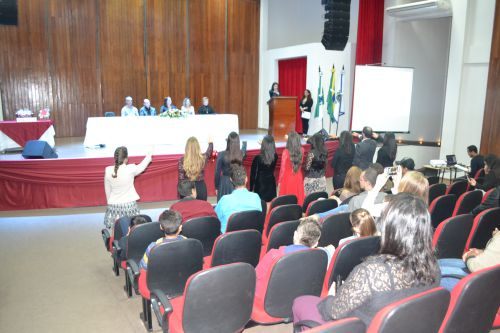 Entrega de Certificado de Conclusão do Curso Formador de Agentes Comunitários de Saúde