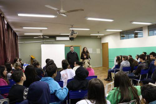 Alunos do 9º Ano do Colégio Nestor Victor sabatinam o Presidente da Amerios.
