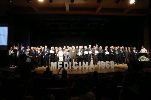 Maria do Socorro, médica na cidade de Pérola recebe Diploma de Mérito Ético.