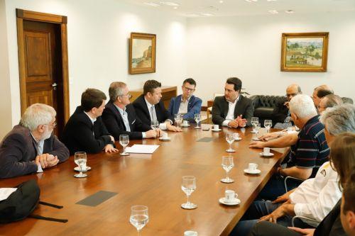 Presidente Darlan Scalco debate redução do ICMS para setor têxtil do Paraná