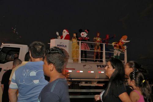 """Chegada do Papai Noel abre a campanha """"Pérola, uma joia de Natal"""" nas festividades de fim de ano da cidade."""