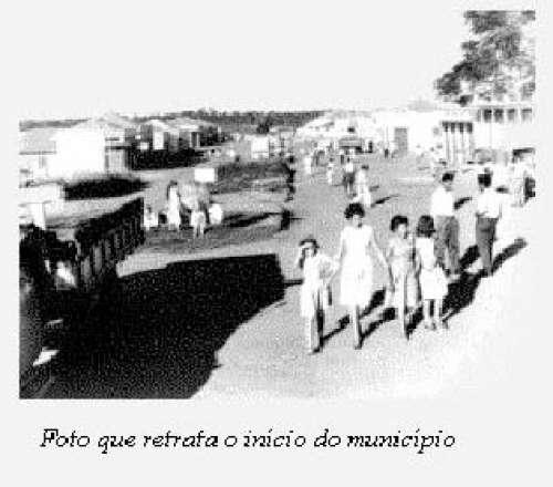 Foto que retrata o início do município