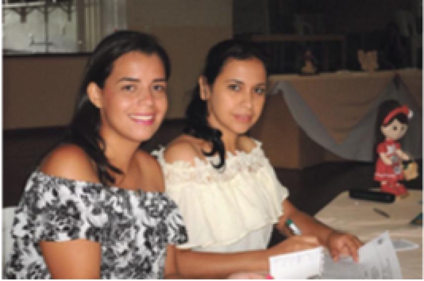 Dayane Cristina da Silva Nunes e Debora Nascimento Pereira representando Sertaneja